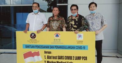 Anwar Fuady dan Roy Marten Berikan Donasi Ribuan Masker pada BNPB