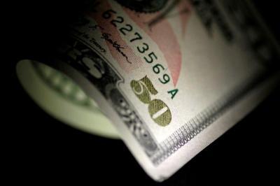 Pasar Tenaga Kerja AS Membaik, Dolar Ditutup Menguat Tipis