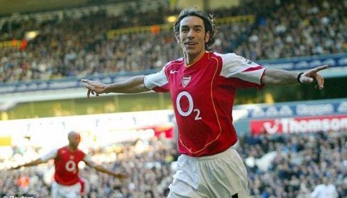 Robert Pires merupakan bagian dari The Invincible Arsenal