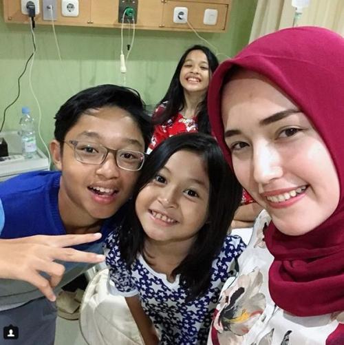Adelia pasha dan anak-anak