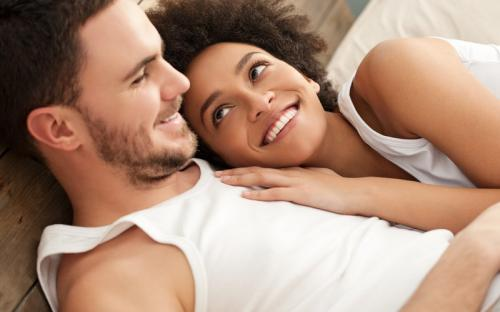 Berhubungan seks. (Huffingtonpost)