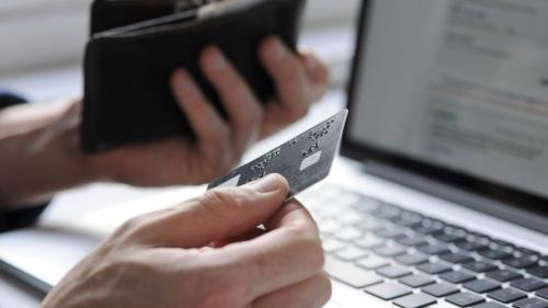 Director of Payment, Fintech and Virtual Products Bukalapak Victor Lesmana melihat fenomena cashless society dengan arah positif.
