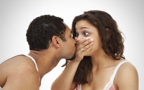 Ilustrasi ciuman