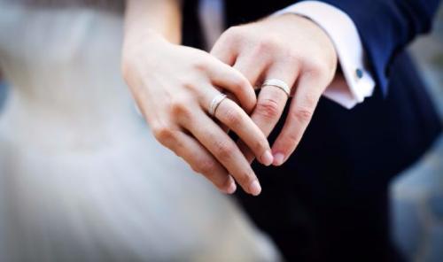 Ilustrasi Pernikahan (Shemaze)
