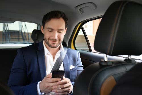 Smartphone merupakan perangkat yang digunakan sehari-hari oleh pengguna.