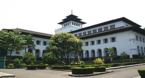 Gedung Sate di Kota Bandung pusat pemerintahan Provinsi Jawa Barat. (Foto: Dok Okezone)