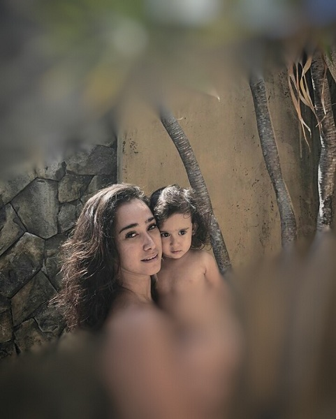 Alexandra Gottardo dan anak