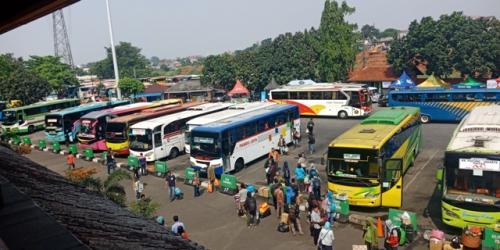 Terminal Kampung Rambutan. (Foto : Okezone.com/Muhamad Rizky)