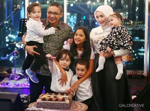 Pasha Ungu dan keluarga