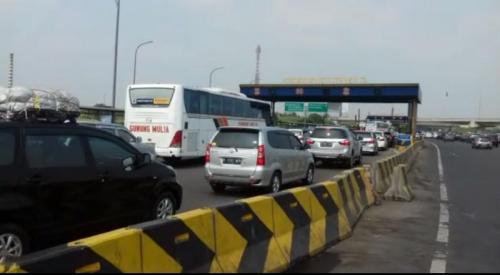 Jalan Tol Jakarta-Cikampek. (Foto: Okezone)