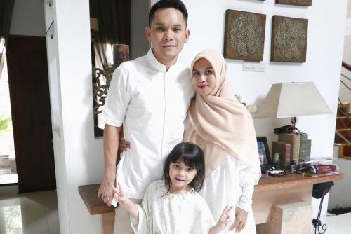 Ben Kasyafani dan keluarga