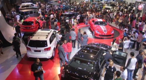 pameran penjualan mobil