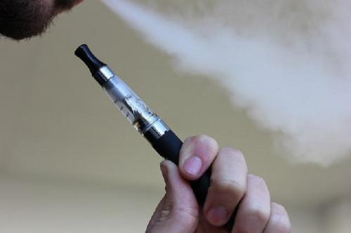 Hal ini tidak terlepas dari kebijakan pemerintah Korea Selatan yang melegalkan peredaran produk tembakau alternatif.