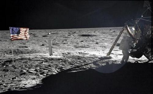 Google Doodle Rayakan Misi Apollo 11