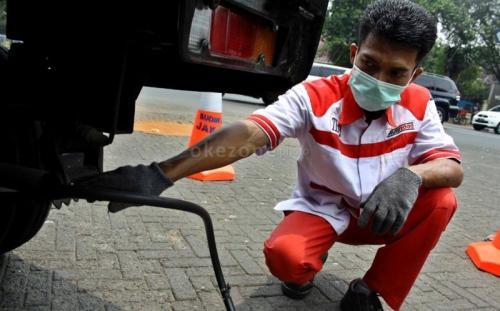 Mobil emisi