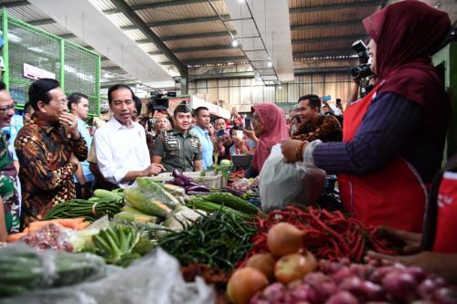 Jokowi Blusukan ke Pasar
