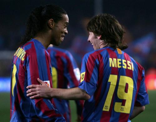 Ronaldinho dan Messi saat setim di Barcelona