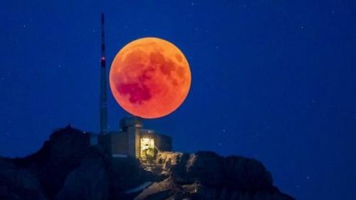 Gerhana bulan. (Foto: Ist)