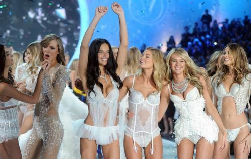 "Sayang sekali fesyen show Victoria's Secret tidak akan terjadi tahun ini,"" ungkap Shanina kala itu."
