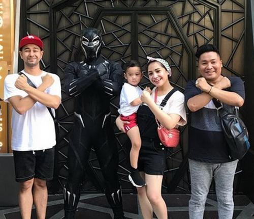 Merry dan keluarga Raffi