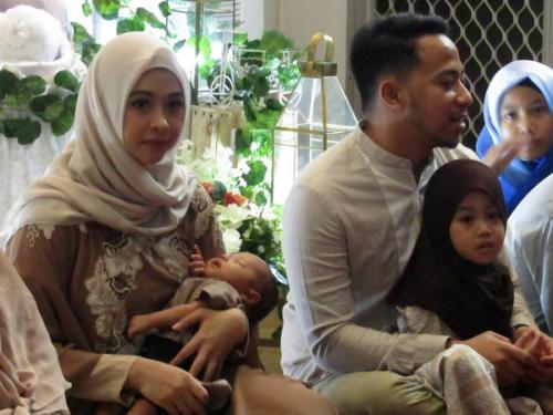 Poppy Bunga dan keluarga