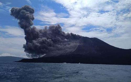 Erupsi Gunung Anak Krakatau (Dok/BNPB)