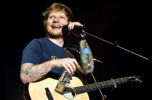 Ed Sheeran saat menggelar konser
