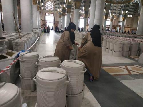 Air Zamzam di Masjid Nabawi