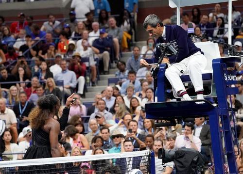 Serena Williams saat ditegur wasit pada final AS Terbuka 2018