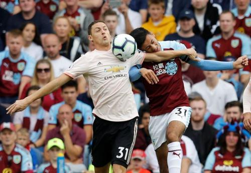 Nemanja Matic vs Burnley (Foto: Reuters)