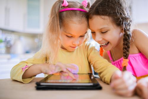 Tips Aman Berikan Internet Sehat untuk Anak