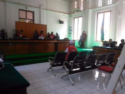 Sidang Eksepsi Bos Abu Tours Hamzah Mamba kasus dugaan Penipuan dan TPPU Umrah (foto: Herman/Okezone)