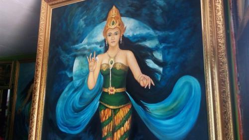 Lukisan Nyai Roro Kidul milik BRM Kusumo Putro. (Foto : Bramantyo/Okezone)