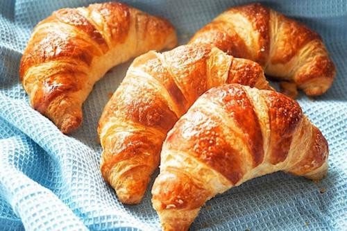 Selain memiliki pemandangan yang indah, Prancis juga mempunyai makanan khas yang terkenal.