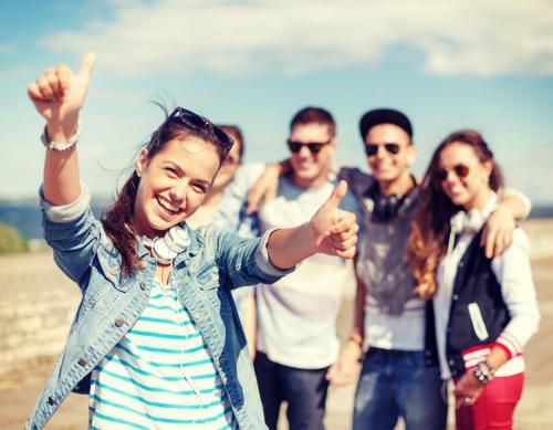 banyak teman dan bahkan mempunyai penggemar yang menyukai Anda karna kebaikan Anda.