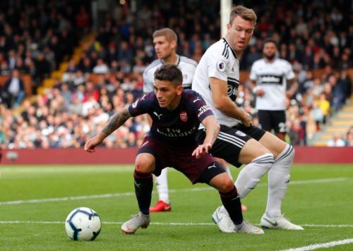 Lucas Torreira kemungkinan tetap bertahan di Arsenal