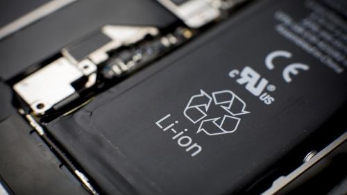 Tips tekno untuk hemat baterai smartphone