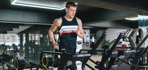 Olahraga penting untuk menjaga tubuh agar tetap sehat.