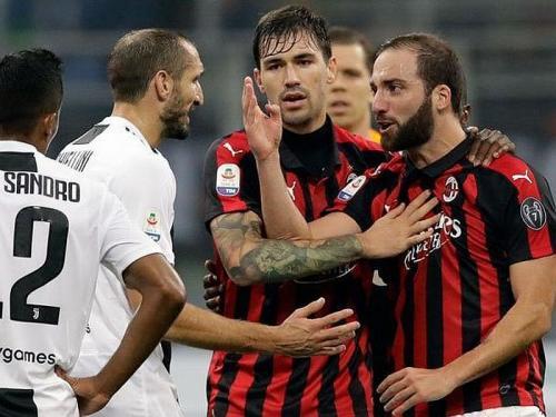 Gonzalo Higuain vs Juventus