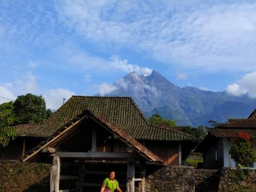 Ilustrasi Gunung Merapi
