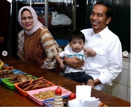 Jokowi Bersama Jan Ethes (foto: Instagram/@jokowi)