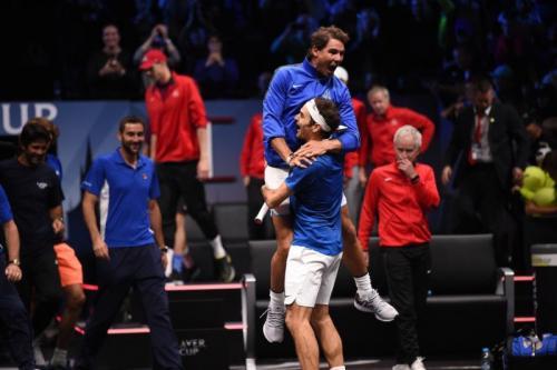 Rafael Nadal dan Roger Federer adalah rival abadi sekaligus sahabat