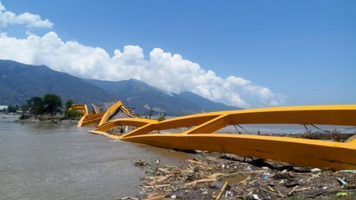 Jembatan Kuning Palu