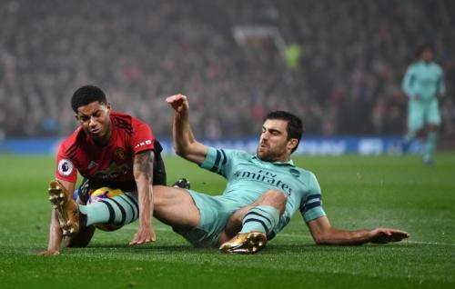 Laga antara Man United vs Arsenal berlangsung keras (Foto: Premier League)