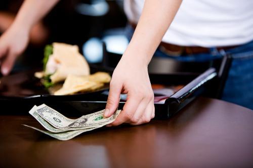 Dolar (Shutterstock)