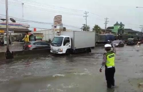 Banjir di Jalur Pantura. (Dok/Taufik Budi)
