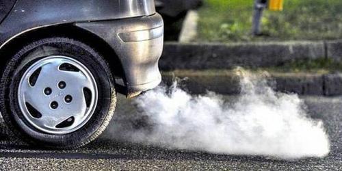 Emisi mobil