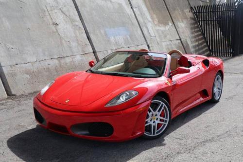 Salah satu produk mobil jalan raya Ferrari