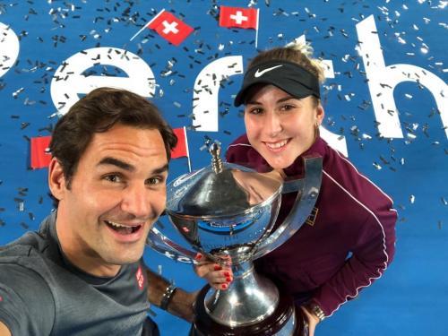 Roger Federer dan Belinda Bencic (Foto: Twitter Piala Hopman)