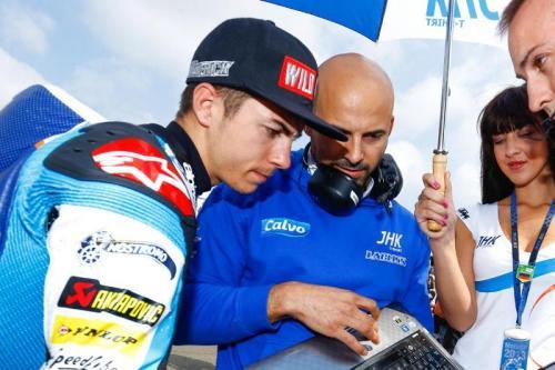 Maverick Vinales dan Esteban Garcia